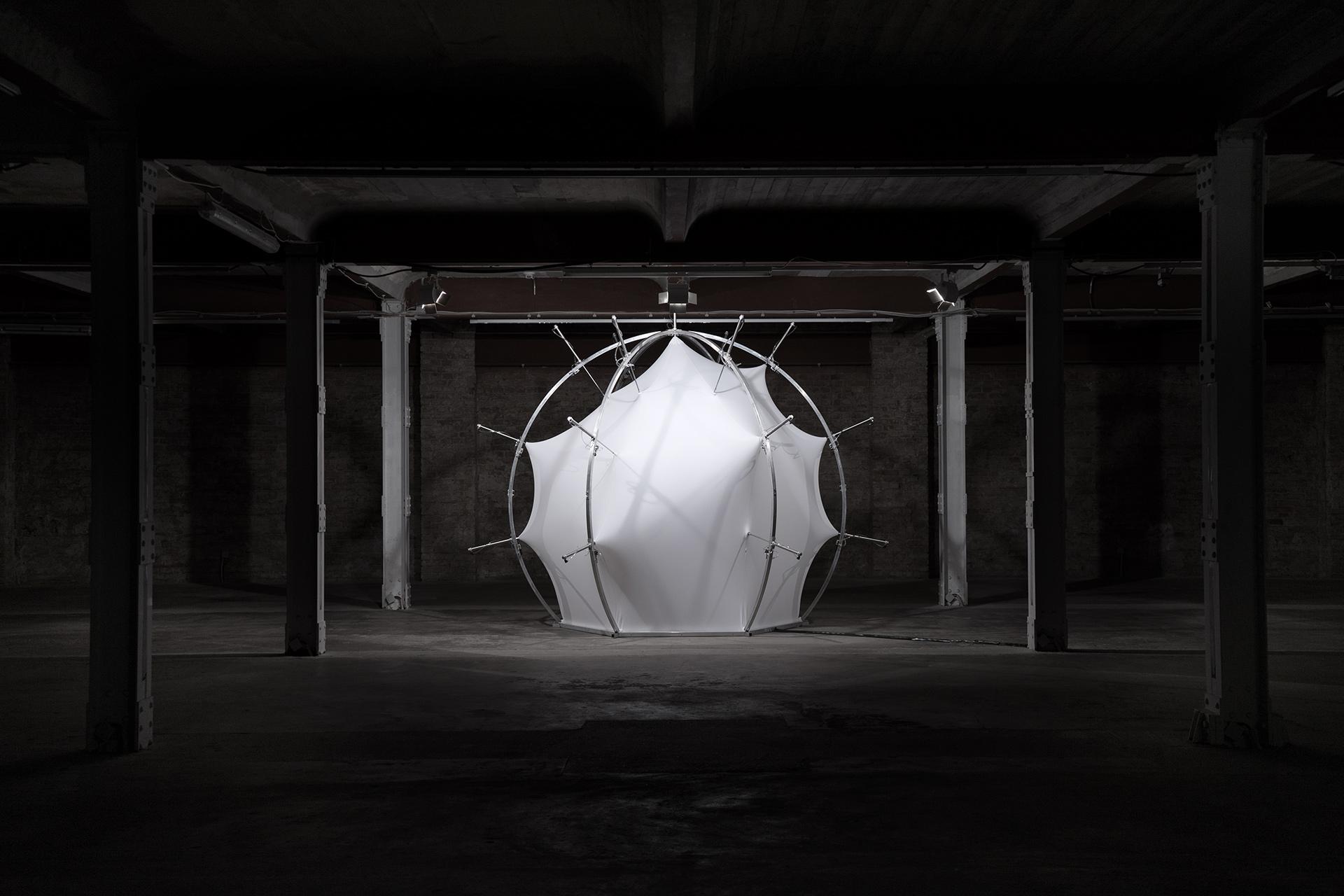 Offset XYZ<p class='client'>Selected Artists</p><div class='btm'><p class='desc'>Kinetic sculpture</p><p class='year'>2018</p></div>